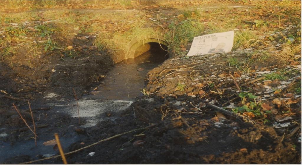 Røret der forbinder Stenkrogen med Villa Fredbos dam